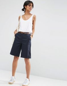 Dear Stitch Fix: I love that these shorts aren't too tight -- so many of the Bermuda shorts I see look like cropped skinny jeans, which seems super uncomfortable. Bermuda Shorts Outfit, Summer Shorts Outfits, Blazer And Shorts, Crop Top Outfits, Short Outfits, Boy Shorts, Chino Shorts, Bermuda Shorts Women, Dressy Outfits