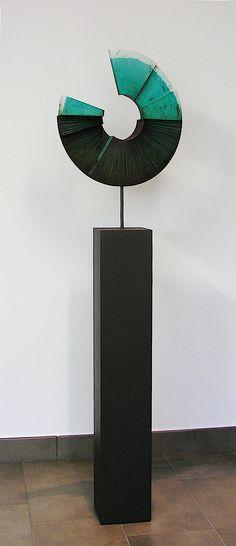 """RAMÓN URBÁN,  E42 """"Recolector de sueños XXXVII"""" 157x45 cm. 2011 Técnica mixta madera/hierro.  (Colección www.jeraldmelberg.com )."""