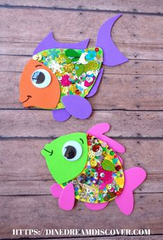 Easy and Fun Summer Arts and Crafts for Kids Summer Crafts For Toddlers, Summer Arts And Crafts, Craft Activities For Kids, Toddler Crafts, Preschool Crafts, Diy Crafts For Kids, Projects For Kids, Art For Kids, Fish Crafts Kids