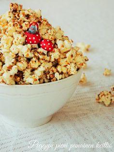 Peggyn pieni punainen keittiö: Joulupopcorn Acai Bowl, Cereal, Xmas, Breakfast, Food, Acai Berry Bowl, Morning Coffee, Christmas, Essen