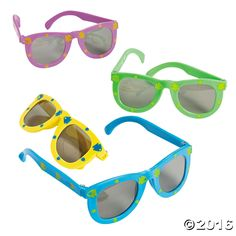 These Fish Print Kiddie Sunglasses are the perfect accessory for a day at the beach! If you are planning a beach party for kids, these are a must have! Your ...