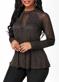 Stylish Tops For Girls, Trendy Tops, Trendy Fashion Tops, Trendy Tops For Women Blouse Styles, Blouse Designs, Look Fashion, Womens Fashion, Casual Skirt Outfits, Altering Clothes, Sexy Blouse, Trendy Clothes For Women, Ladies Dress Design