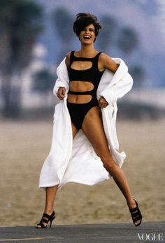 Linda Evangelista in cutouts  Vogue, April 1990