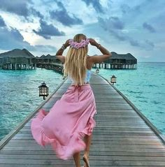 💕 1 2 3 4 5 6 or 7 ? 💛 Tag and ask your bestie also☝️👯 ⠀⠀⠀⠀⠀⠀⠀⠀⠀ 📷 Credit: ⸏ - Reisen, sehen, essen Honeymoon Photography, Summer Photography, Girl Photography, Holiday Pictures, Summer Pictures, Beach Pictures, Girly Pictures, Beautiful Pictures, Windy Skirts