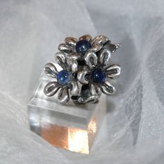 Daisy Bouquet Statement Ring, Vintage Artisan Studio, Lapis Gemstones, 850 Silver, Mexico, TNM75?, Size 5, Large, Heavy, Quality, Like New by VWayne on Etsy