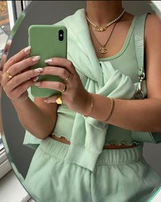Ropa Color Pastel, Mint Green Aesthetic, Green Aesthetic Tumblr, Brown Aesthetic, 90s Aesthetic, Aesthetic Fashion, Mode Hipster, Look Fashion, Fashion Outfits