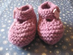 Items similar to Baby Booties pink - pink bear button months) on Etsy Baby Booties, Baby Shoes, Knits, Booty, Bear, Button, Knitting, Trending Outfits, Unique Jewelry