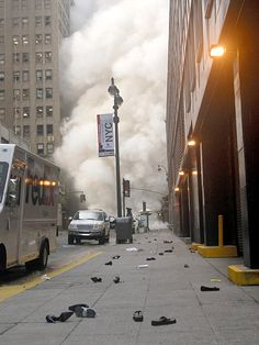 A steam pipe explodes, New Yorkers leave their shoes behind in the panic - Ground Zero - 9/11