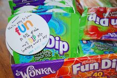 31 Creative Back to School Treats for Students {printables} Kinder – Teach Junkie: 31 creative back to school treats for students {printables} – Fun Dip Treat Tags Student Treats, Teacher Treats, School Treats, Student Gifts, Student Welcome Gifts, Student Rewards, Student Birthdays, Teacher Signs, Teacher Memes