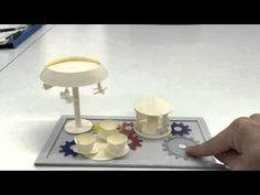 紙の歯車 - YouTube