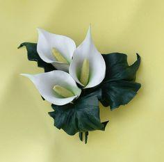 """Купить Брошь из натуральной кожи """"Каллы"""" - брошь, брошь цветок, брошь ручной работы"""