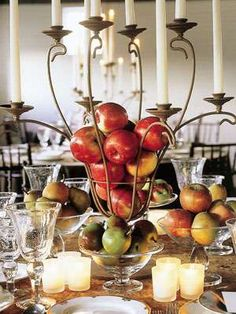 Opt for centerpieces with unique fruit and vegetable flourishes Flowerless Centerpieces, Edible Centerpieces, Edible Arrangements, Wedding Centerpieces, Wedding Table, Wedding Decorations, Table Decorations, Party Party, Party Ideas