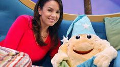 The Good Night Show on Sprout with Nina 7 Star.another little lady fave we watch Kipper The Dog, Kai Lan, Max And Ruby, Dragon Tales, Sewing Baby Clothes, Night Show, Star Images, Caillou, Old Shows