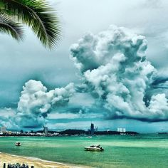Very soon we will be visiting beaches like this! Only 3 weeks and we are going to Asia!  #asia #beach #heaven #paradise #sea #vietnam #china #singapore #malaysia #instaasia #clouds #travel #traveling #travelblog #travelling #travelpics