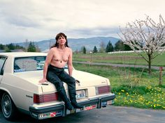 Molly Landreth is archiving a rapidly changing community and the lives of people who offer brave new visions of what it means to be queer in America today Online Work, Esquire, Photojournalism, Real Life, America, Portrait, People, Photography, Cameras