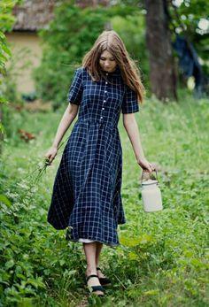 32 Street Style Looks – Fashionthestyle Farm Fashion, Country Fashion, Vintage Fashion, Modest Outfits, Modest Fashion, Dress Outfits, Fashion Outfits, Fashion Ideas, Modest Clothing