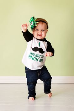 Patrick's Day Craft and Decor Your Family Will Be Sure To Enjoy - Life Is Fun Silo Baby Shirts, Kids Shirts, St Patrick's Day Crafts, Vinyl Designs, Shirt Designs, Vinyl Shirts, Love Mom, Inspiration For Kids, School Holidays