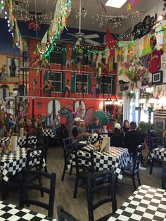5. Kenny B's French Quarter Cafe - 70 Pope Ave, Hilton Head Island, SC