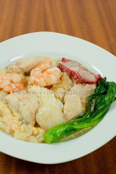 Combination Seafood Rice Noodles (雜燴海鮮滑蛋河粉) from Christine's Recipes