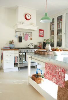 The home of Yvonne and Boris - eclectic - kitchen - amsterdam - Holly Marder
