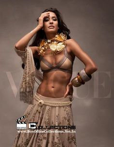 Lisa Haydon Sizzles on Vogue India Magazine Cover November 2014 Edition_1
