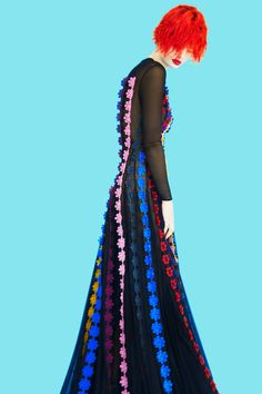 See the complete Mary Katrantzou Resort 2017 collection.