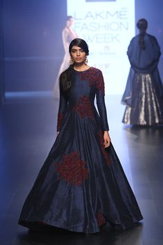 SVA by Sonam and Paras Modi at Lakmé Fashion Week winter/festive 2016 Indian Gowns, Indian Attire, Indian Wear, Indian Wedding Outfits, Bridal Outfits, Indian Outfits, Lakme Fashion Week, India Fashion, Traditional Fashion