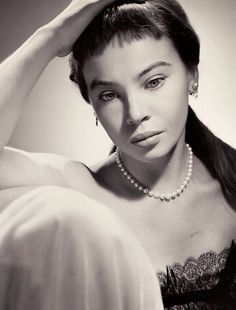 Leslie Caron 1950's. Long legs! Beautiful dancer.