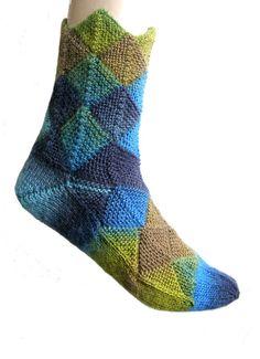 Fairytale socks Meilenweit Magico green blue  by Carolinevantveer
