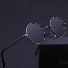 R B COLLECTION Steampunk Round Sunglasses is designed for both Men and Women, with its Anti-UV Polarized Metal Frame, and a Retro Sun Glasses Mirror. Men Sunglasses Fashion, Fashion Eye Glasses, Sunglasses Women, Sunglasses Price, Retro Sunglasses, Vintage Round Sunglasses, Cool Glasses, Mens Glasses, Steampunk