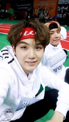 Read 008 from the story Yoonmin VS Yoonseok by kittaen (stressed) with reads. Bts Suga, Min Yoongi Bts, Bts Bangtan Boy, Jhope, Namjin, Yoonmin, Foto Bts, Bts Memes, K Pop