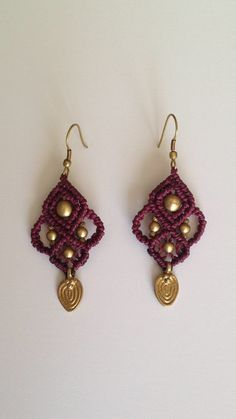 Tribal gypsy macrame earrings with brass beads- purple color Macrame Rings, Macrame Necklace, Macrame Jewelry, Beaded Earrings, Earrings Handmade, Diy Jewelry, Crochet Earrings, Jewellery, Macrame Dress