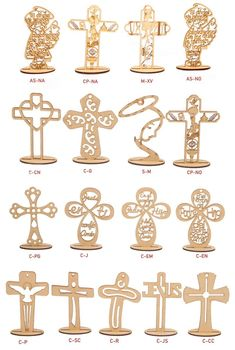 Wooden Cross Crafts, Wooden Crosses, Première Communion, Communion Gifts, Wood Crafts That Sell, Baptism Party Decorations, Baptism Candle, Laser Cutter Projects, Scroll Saw Patterns Free