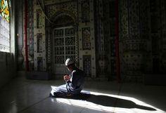 Panduan lengkap dzikir dan doa setelah shalat fardhu berdasarkan tuntunan al-Qur'an dan sunnah Nabi Muhammad SAW. Dalam mendirikan ibadah...