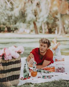Life's no picnic, unless of course...you are at a picnic. 💚 these refreshing #PerrierFlavors are perfect for summer @Perrierusa #Ad