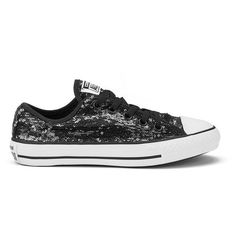 Converse Women's Chuck Taylor All Star Sequin Flag Ox Trainers -... ($76) ❤ liked on Polyvore featuring shoes, sneakers, silver flat shoes, white sneakers, black sneakers, white flat shoes and sequin sneakers
