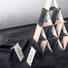 Its PLAYTIME! ♠️♥️♣️♦️ Playing cards DECO has arrived - 2 decks of cards (1 navy and 1 pink) in a nice box. Keep it to yourself or give it as a gift! 99 SEK