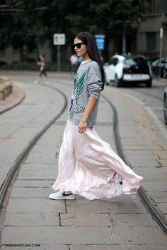 Τα sweatshirts έχουν κατακλείσει τις πασαρέλες και τις street style φωτογραφίες εδώ και αρκετό καιρό! Έχουν αγαπηθεί και προσαρμοστεί σε πολλά διαφορετικά στιλ! Υπάρχουν πολλοί τρόποι να τα φορέσεις (και εκτός γυμναστηρίου φυσικά!) και να είσαι στιλάτη, άνετη και in fashion! Παρακάτω σας παρουσιάζουμε 10+1 stylish τρόπους να φορέσεις το αγαπημένο σου sweatshirt! Get Inspired! […]