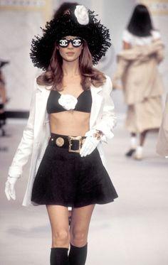 Kate Moss Chanel 1993 | @༺♥༻LadyLuxury༺♥༻