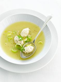 Leek and chicken soup Soup Recipes, Healthy Recipes, Healthy Food, Soup And Sandwich, Chicken Soup, Soups And Stews, Food Photography, Favorite Recipes, Lunch