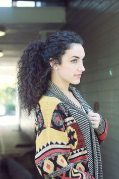 Stunning 80 Beautiful Natural Curly Hairstyle Inspiration from https://www.fashionetter.com/2017/07/19/80-beautiful-natural-curly-hairstyle-inspiration/