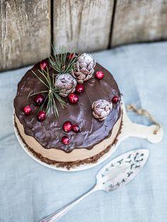 Live to Bake: Voňavá čokoládová torta so škoricou a brusnicami Baking, Cake, Food, Hampers, Bakken, Kuchen, Essen, Meals, Backen