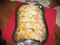Desať receptov na plnené rožteky - Žena SME Oreo Cupcakes, Hot Dog Buns, Nutella, French Toast, Bread, Breakfast, Food, Basket, Morning Coffee