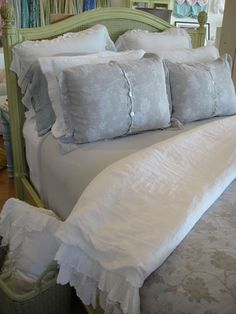 Pine Cone Hill | SHABBY CHIC® Bed Linens | Pine Cone Hill Quilts | Bella Notte Linens  (Cottage Chic)