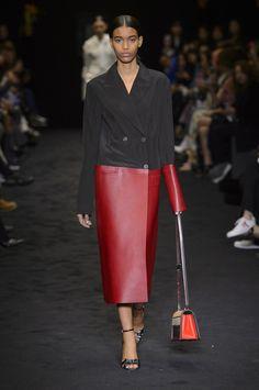 Loewe Fall 2017 Fashion Show - The Impression, Fashion News