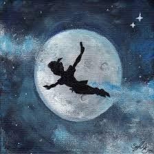 Afbeeldingsresultaat voor peter pan moon Tja, eigenlijk niet het mooiste plaatje, toch gepind omdat contrast silhouet vs maan sterk is.