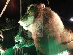 Decoración de fiesta con animales de la selva