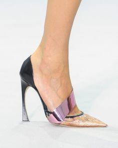 Ten el mundo a tus pies con estos zapatos de impacto: Dior