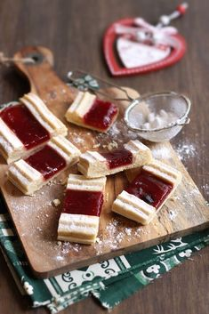 Christmas Biscuits, Hungarian Recipes, Small Cake, Waffles, Main Dishes, Dessert Recipes, Vegetarian, Cookies, Breakfast