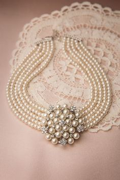 Lovely - Audrey Cream Pearl Choker Necklace from Top vintage retro Boutique Pearl Choker Necklace, Diamond Pendant Necklace, Pearl Bracelet, Pearl Jewelry, Bridal Jewelry, Jewelery, Vintage Jewelry, Fine Jewelry, Jewelry Necklaces